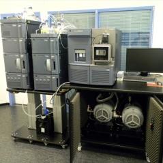 Waters Xevo TQ-S EDWARDS XDS100i干式涡旋泵维修 质谱仪真空泵维修